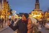 Stadtspaziergang mit dem Marktplatz im Hintergrund