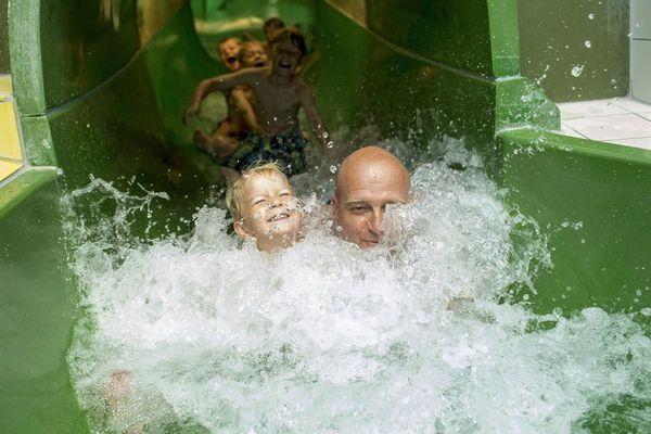 Husum Bad, Wasserrutsche