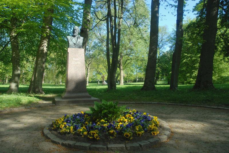 Storm-Denkmal im Husumer Schlosspark