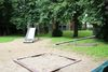 Rutsche, Wippe, Sandkasten - auf dem Spielplatz am Kloster