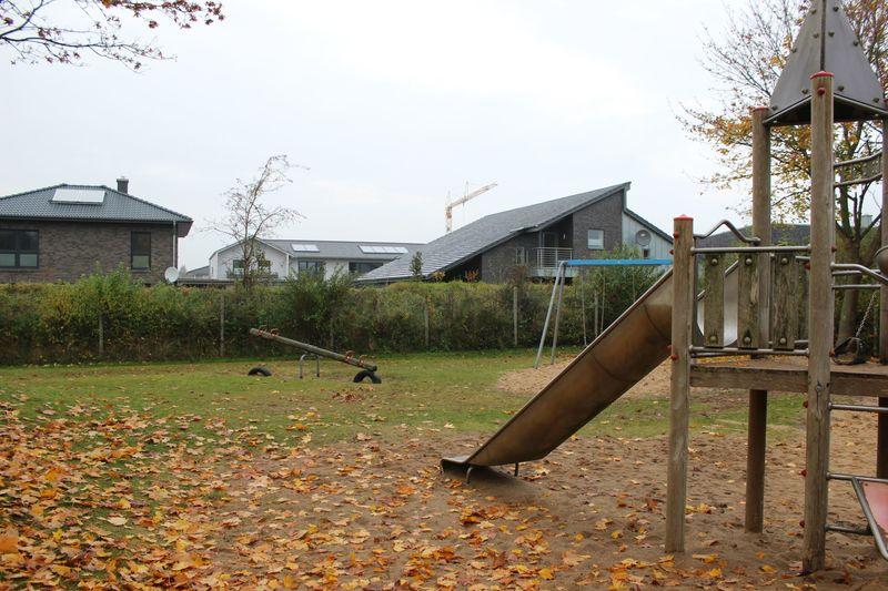 Anna-Ovena-Hoyer-Straße - Spielplatz