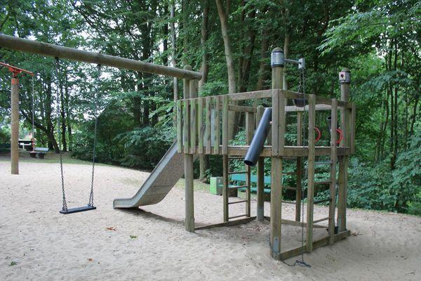 Spielgerät auf dem Spielplatz Kuhgräsung