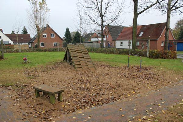 Spielplatz Schillerstrasse - mit Kletterwand