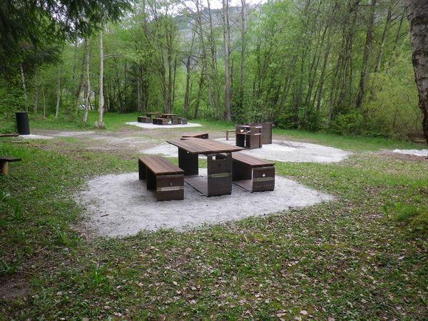 Sitzmöglichkeit und Feuerstelle