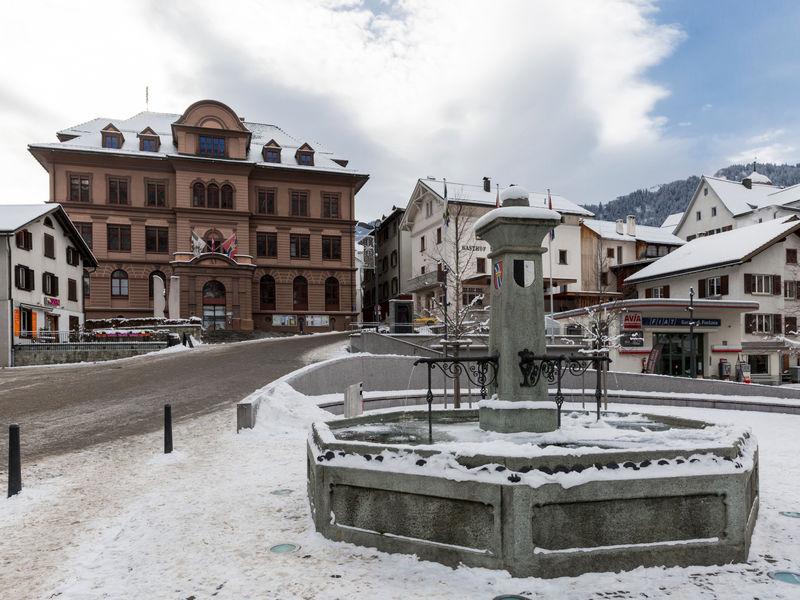 Rathaus in Ilanz im Winter