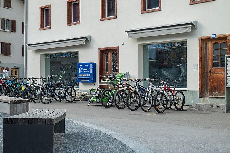 Eingangsbereich von Risch Velos Motos Motorgeräte in Ilanz