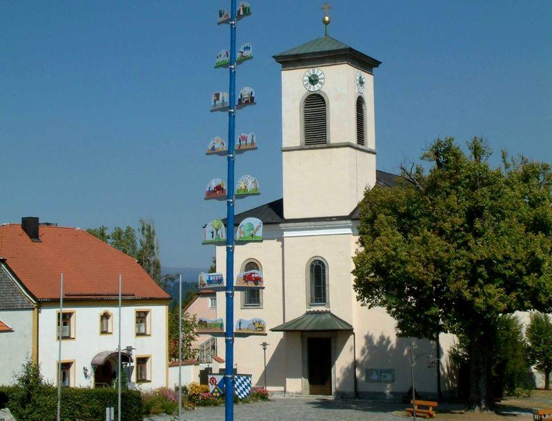 Die Pfarrkirche in Innernzell in der Region Sonnenwald
