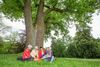 Picknick im Gutspark Jahnsfelde, Foto: Florian Läufer
