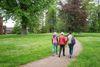 Spaziergang im Gutspark Jahnsfelde, Foto: Florian Läufer