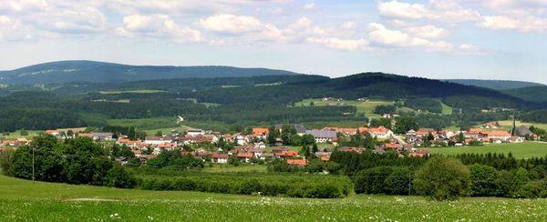 Die Gemeinde Jandelsbrunn liegt im Landkreis Freyung-Grafenau in Niederbayern.