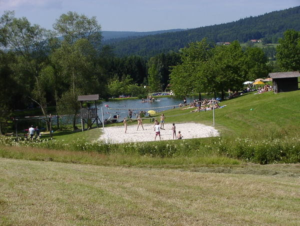 Beachvolleyball am Naturbadesee in Jandelsbrunn
