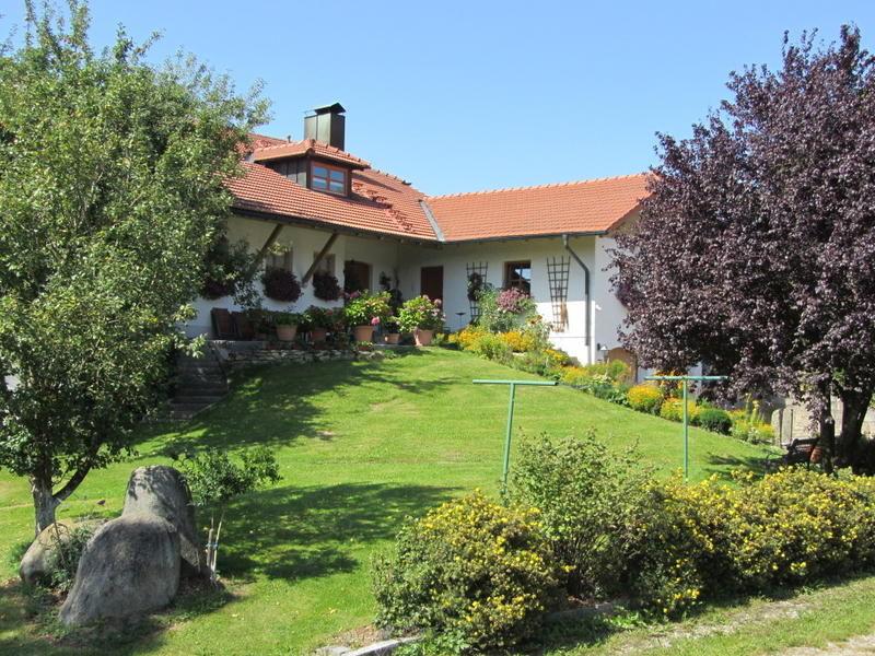 Blick auf den Traumhof Ferienbauernhof Jakob in Rohrhof bei Jandelsbrunn