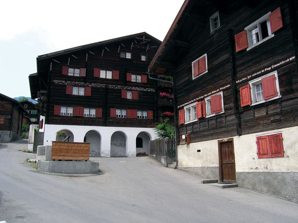 Platzhus Jenaz