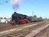 Dampfzug der UEF Sektion Ettlingen mit Dampflok 58 311 am 1.11.2006 im Bahnhof Ettlingen West