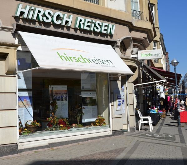 Das Hirsch Reisebüro am Ludwigsplatz.