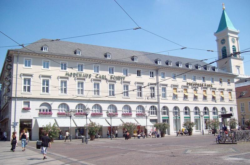 Das Modehaus Schöpf am Karlsruher Marktplatz