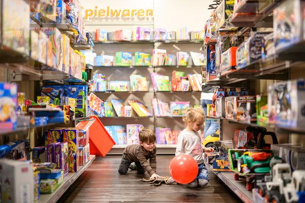 Shoppingfreude in der Kinderabteilung