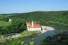Blick zum Kloster Weltenburg und zur Frauenbergkapelle