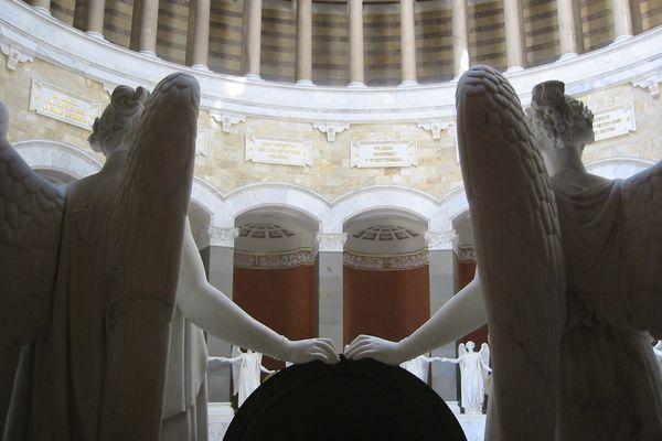Kuppelsaal der Befreiungshalle mit Siegesgöttinnen