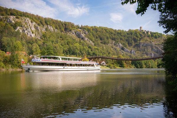 Schifffahrt von Kelheim über Essing nach Riedenburg