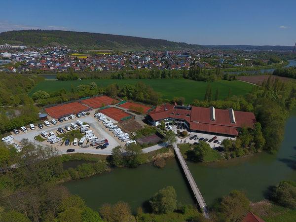 Wohnmobilstellplatz Am Pflegerspitz in Kelheim von oben