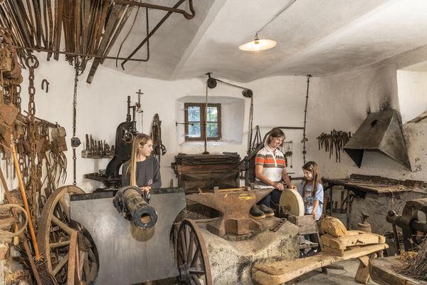 In den alten Räumen wird heute die Sammlung des Heimat- und Handfeuerwaffenmuseums ausgestellt