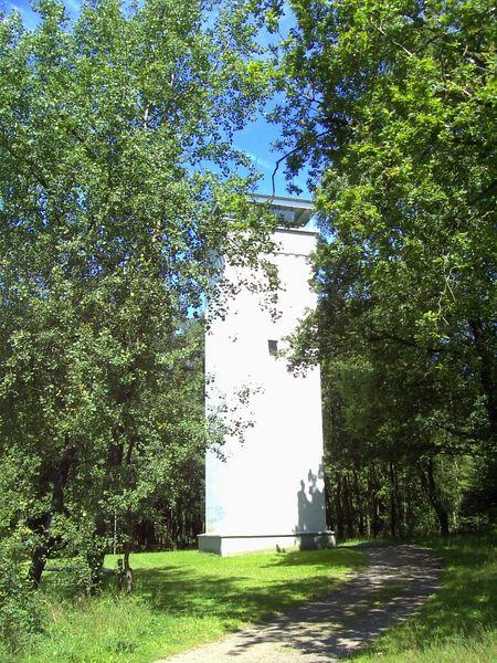 Wienhagener Turm im Sommer