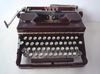 Alte Schreibmaschine aus Bakelit