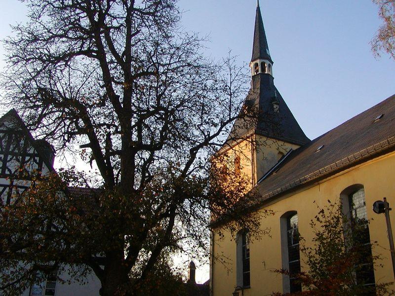 Außenansicht Turm Servatiuskirche