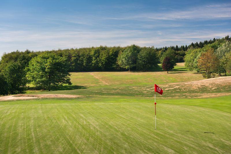 Der Golfplatz in reizvoller Landschaft
