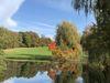 Farbenzauber im Frühherbst auf dem Golfplatz