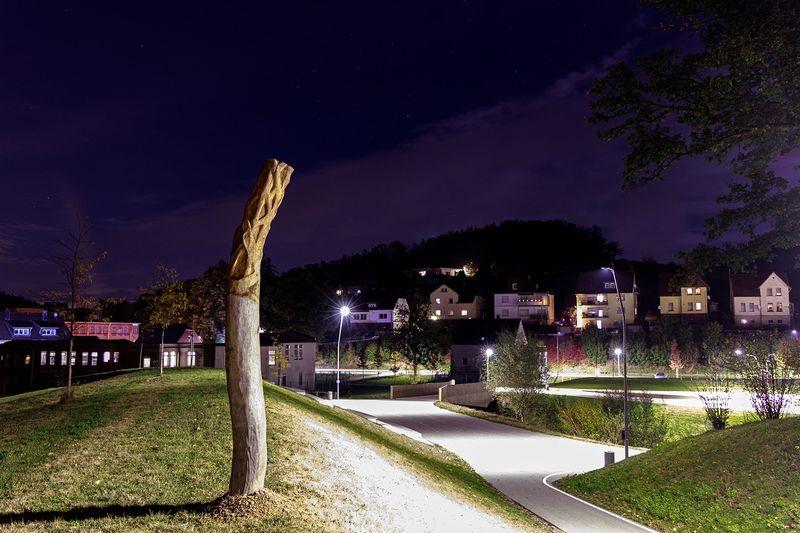 Der Scheuerpfahl im VolmeFreizeitPark bei Nacht