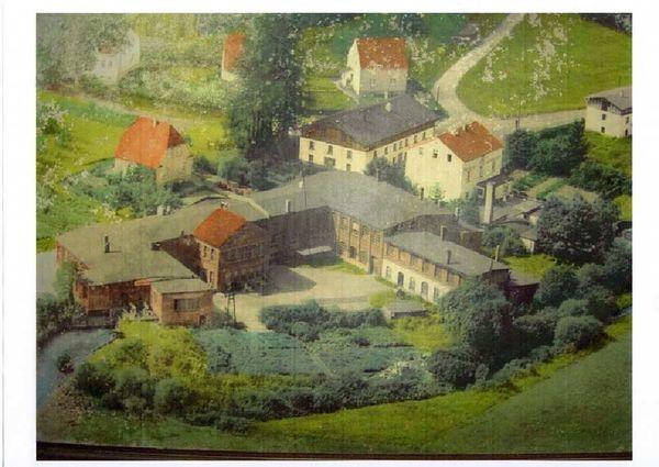 Historische Aufnahme des Sessinghauser Hammers 1900