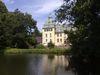 Idyllisch gelegen: das Wasserschloss Haus Rhade