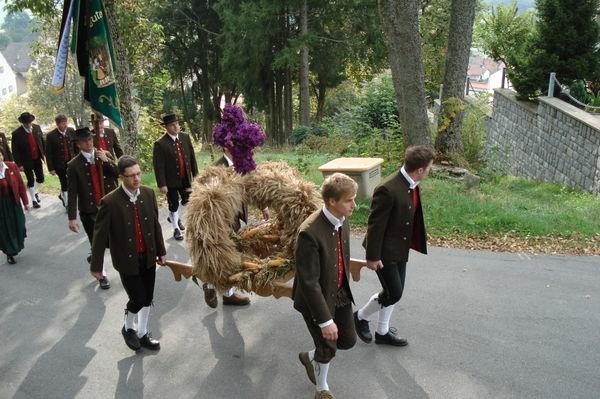 Erntedank-Festzug mit dem Trachtenverein Gotthardsbergler in Kirchberg i. Wald
