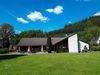 Blick auf das Haus des Gastes im Kirchhundemer Ortsteil Oberhundem, das zugleich Naturpark-Infozentrum ist