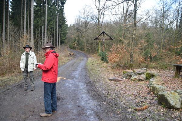 "Rahrbacher PoesieWeg - Verweil-Ort ""Kreuz-Wege"""