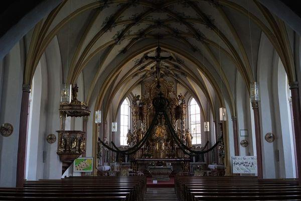 Innenansicht Wehrkirche Kößlarn