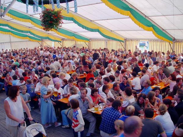 Bierzeltstimmung beim Heimatfest in Kollnburg im ArberLand Bayerischer Wald