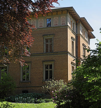 Gelber Villa mit Stadtarchiv (Foto: Alexander Kiß)