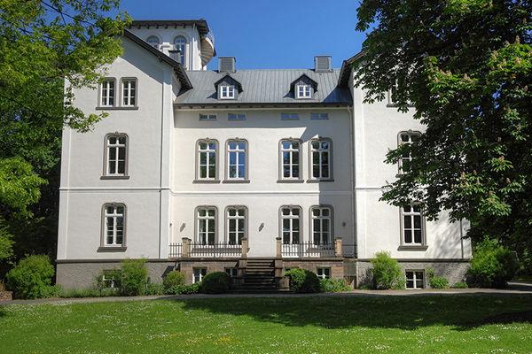 Weiße Villa (Foto: Alexander Kiß)