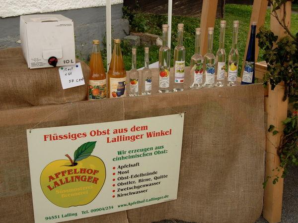 Obst-Säfte und Brände im Apfelhof Lallinger in Lalling im Bayerischen Wald