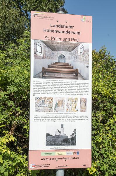 Eine Perle der niederbayerischen Kunstschätze: Die Filialkirche St. Peter und Paul in Berghofen