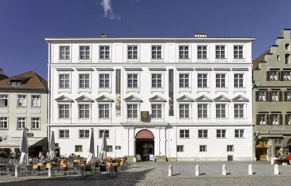 Die Stadtresidenz befindet sich in der Landshuter Altstadt.