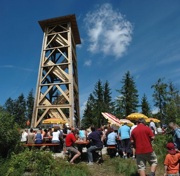 Einweihung des Aussichtsturms auf dem Schönecker Riegel bei Langdorf im ARBERLANDBayerischer Wald