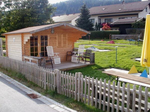 Minigolfanlage am Rathaus in Langdorf im ArberLand Bayerischer Wald