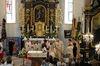Altarbereich er Pfarrkirche Langdorf bei einem festlichen Anlass