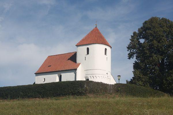 Außenansicht der Filialkirche St. Pauli Bekehr in Langenbach