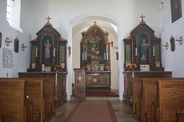 Innenansicht der Filialkirche St. Pauli Bekehr in Langenbach