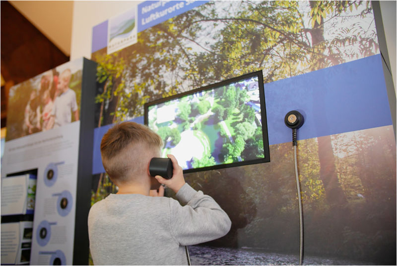 Die interaktive Wand hält viele Informationen für Dich bereit!
